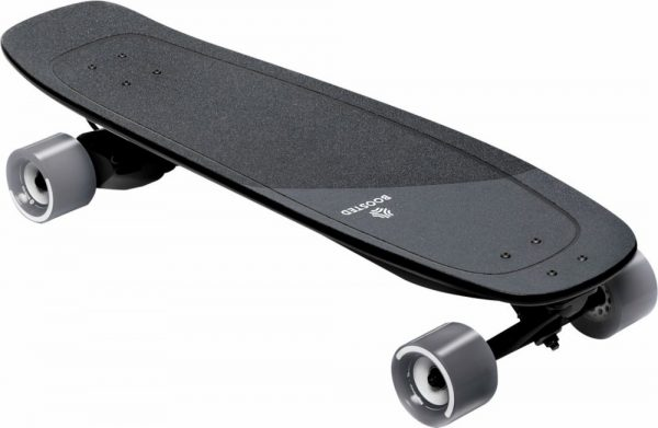Boosted Board Mini X Perfect for shorter commutes, cruising campus, and quick errands, the Boosted Mini is everything you need in a small electric skateboard.  Range:22KM Top Speed: 32KM/U Highlights: Compact, Build quality, Speed.