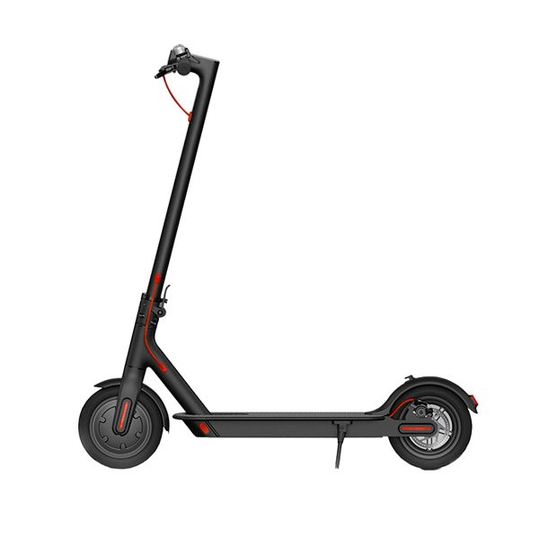 Xiaomi M365 Electric Scooter The Xiaomi M365 electric scooter is a high quality electric scooter that goes at a whopping 25 km per hour and can cover a distance of 25 km. The step comes with an iOS / Android app with which you can view interesting statistics about your step. You should think of your driving pattern, speed, battery charge and software updates. The electric scooter has 6 protection functions including: short-circuit protection, overcurrent protection, protection against overcharging, discharge protection, protection against low voltage and protection against temperature deviations. This ensures that the scooter is safety and durability.