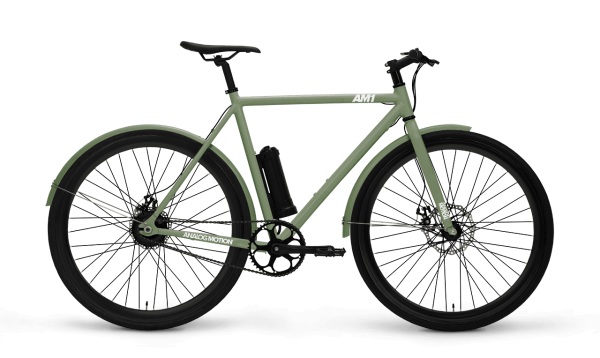 Analog Motion AM1+ Der Analog Motion AM1 + wurde für Ihren täglichen Pendelverkehr entwickelt.  Die Einfachheit eines Single-Speed-Bikes mit der Leichtigkeit eines E-Bikes. Möchten Sie mit weniger Aufwand schneller fahren, drehen Sie den Assistenten auf. Wenn Sie Ihre Herzfrequenz erhöhen möchten, drehen Sie den Assistenten herunter. Bei ausgeschaltetem Assistenten fährt der AM1 + wie ein normales Fahrrad ohne den Motorwiderstand, den herkömmliche Elektrofahrräder häufig aufweisen.  Ultraleichtes Design  30 Kilometer Reichweite  Wartungsfreier Motor  Herausnehmbarer Akku  Passen Sie Ihren AM1 + unten an. Die Bilder werden mit dem optionalen Korb- und Kotflügelzubehör angezeigt.
